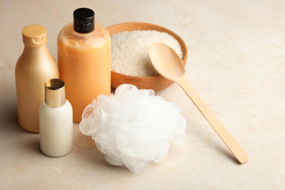 فواید ریختن نمک در شامپو