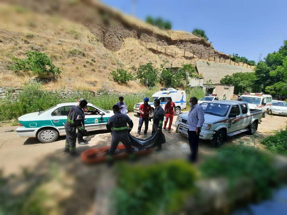 خبرنگاران دختر 19 ساله در رودخانه فشم غرق شد